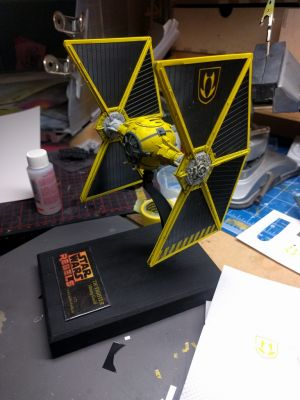 Mining Guild TIE Fighter - Decals sind aufgebracht